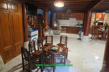 Cho thuê căn nhà gỗ 2 tầng sân vườn 3 ngủ 5wc chính chủ quận Ba Đình, Hà Nội