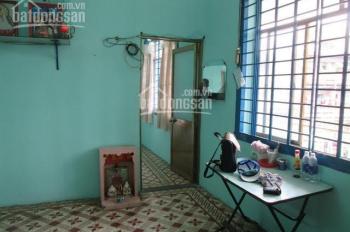Cho thuê căn hộ lầu 03 mặt tiền đường Nguyễn Trãi, quận 5