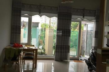 Nhà gần chợ Lệ Trạch, Hòa Tiến, đường ô tô, DT 5x20m, 100m2