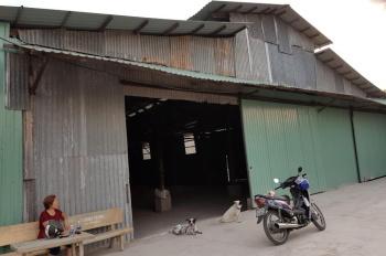 Chính chủ cho thuê kho 1100m2 tại 73A/3 Hoàng Đạo Thúy, huyện Bình Chánh. Giá 40 triệu/tháng