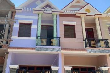 Bán nhà mới xây cách ngã tư Miếu Ông Cù 100m, nhà đẹp, đường rộng, giá rẻ. LH:0886727727