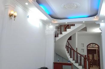 Căn nhà diện tích hiếm, giá lại mềm - DT: 4x23m vuông vức, trệt + 3 lầu, sân thượng