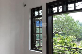 Còn phòng 25m2 trong nhà 5 tầng, khu dân cư an ninh, sạch sẽ