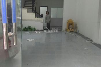 Cho thuê ngõ 68 Trung Kính, 82m2 * 4 tầng, giá 25 triệu/th