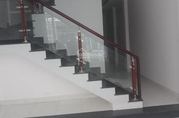 Nhà nguyên căn hẻm 50 Quang Trung 15tr
