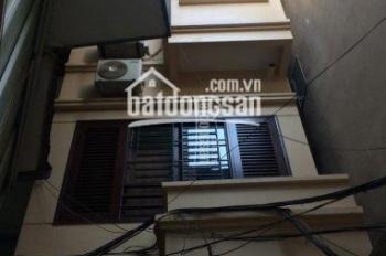 Cho thuê nhà riêng phố Hàng Đậu - Quán Thánh 32m2 xây 5 tầng, giá 13tr mới đẹp