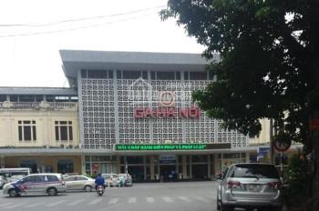 Bán gấp nhà ngõ phố Trần Hưng Đạo, DT 53m2, MT 4m, giá 11 tỷ