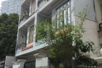 Cho thuê nhà nguyên căn 4 tầng 5 phòng ngủ, ngay sát bờ biển Nha Trang