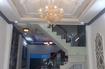 Cần bán căn nhà Sài Gòn Mới. DT: 4*13m, trệt, 2 lầu, 4 phòng ngủ