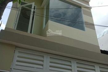 bán gấp nhà 4x10m 1 lầu 2 phòng ngủ hẻm 4m thông đường Nguyễn Hữu Tiến. Giá: 3,4 tỷ.