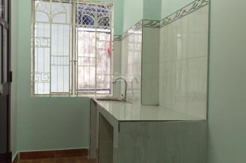 Cho thuê nguyên căn 1 lầu, mỗi tầng 1 phòng ngủ, bếp, toilet. Nhà chính chủ cho thuê
