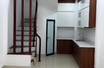 Chính chủ bán nhà ngõ 521, Cổ Nhuế 2, Bắc Từ Liêm, Hà Nội. DT 33m2x5T, full nội thất. Lh 0968685886
