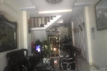Cho thuê nhà dài hạn nguyên căn MT đường Phú Thuận Quận 7 DT 4x20m giá 30tr/tháng. LH 0933.49.05.05