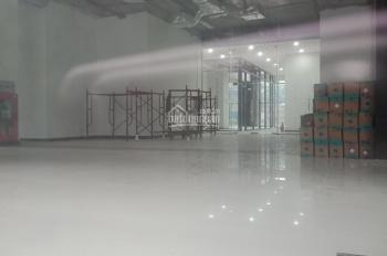 Cho thuê sàn thương mại tầng 1 ngã tư Thái Thịnh, Láng Hạ, DT 200m2, giá 160 t/th, 0934589268