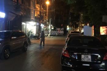 Mặt phố Trần Hữu Tước ô tô đô ngày đêm, phù hợp nhiều mô hình kinh doanh