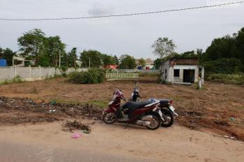 Cần tiền xây phòng trọ nên bán lô đất bên cạnh 13x86m=1105m2, đất sát KCN Nhơn Trạch. LH 0915956833