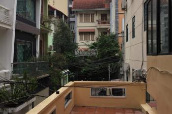 Nhà riêng ngõ Võng Thị, Tây Hồ cho thuê 15 triệu/th, 150m2 x 2,5 tầng, nhà mới đẹp, ô tô đỗ cửa