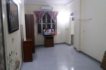 Cho thuê phòng tầng 2 ngõ Thịnh Hào 2, Tôn Đức Thắng, đủ nội thất.