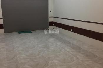 Cho thuê nhà tại Trần Duy Hưng, 70m2 x 5T (lô góc 2 mặt tiền)