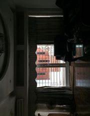 Bán căn hộ tập thể E5 chính chủ, đã cơi nới sửa đẹp đầy đủ nội thất đến nhận nhà ở ngay!
