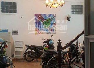 Cho thuê nhà riêng ngõ 80 Phố Nhân Hòa, diện tích 70m2 x 4 tầng, ngõ to, phòng rộng, giá 18 tr/th