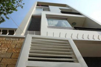 Bán nhà HXH Út Tịch, 33m2, nhà trệt 2 lầu, nhà mới, hẻm đẹp ô tô đi thoải mái, thông thoáng