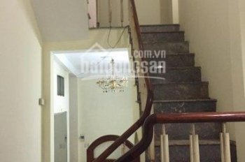 Chính chủ bán gấp căn nhà 5 tầng Ngõ Gốc Đề, 34m2, sổ đỏ chính chủ, nhận nhà ở ngay