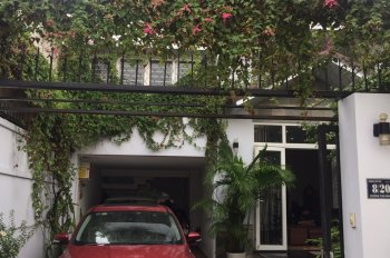 Cho thuê nhà riêng 2 mặt tiền đường, full nội thất tại P. Hiệp Phú, ngay trung tâm Q9; 0987643930