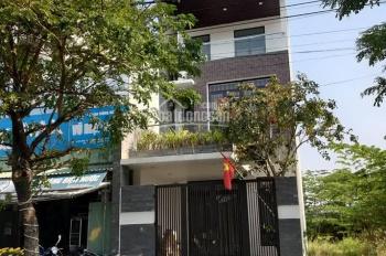 Nhà 3 tầng kiến trúc mới và đẹp đường Quách Thị Trang, khu Hòa Xuân, sau lưng trường Chú Ếch Con