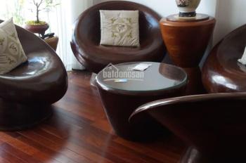 Chính chủ cần bán gấp căn hộ Cộng Hòa Garden full nội thất, đã làm sàn gỗ giá 2 tỷ 6 LH: 0941400719