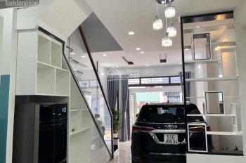 Cần bán nhà mặt tiền đường Linh Trung, quận Thủ Đức, giá 5,87 tỷ. LH: 0902308610