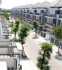Chính chủ gửi bán nhà phố Lavila Kiến Á DT: 5,5x17,6m giá 6,4 tỷ. LH Mr Sang 0938.792.668