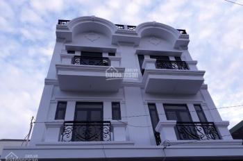 Còn 2 căn nhà phố 3 lầu duy nhất DT 4x14m ngay ngã tư Ga giá 3,5 tỷ, LH 0918 183 727
