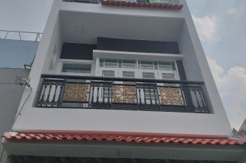 Cần bán căn nhà dt 4m x 14m, đúc 3,5 tấm, bhhb, shr, hướng tây, hẻm nhựa thông.