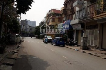 Cắt lỗ bán nhà LK TC5 Tân Triều, ô tô vào thẳng nhà, DTSD: 240m2, giá 5 tỷ. LH: 0969139494