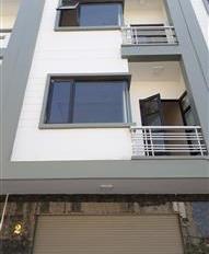 Nhà văn phòng 50m2 x 5 tầng gồm 6 phòng, giá: 18tr/th
