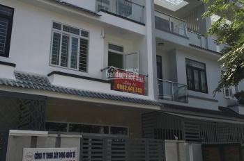 Cho thuê nhà 3 tầng Dĩ An - giáp Thủ Đức (khu Him Lam Phú Đông, góc Phạm Văn Đồng - Đào Trinh Nhất)
