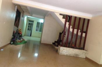 Chính chủ cho thuê nhà 4 tầng tại số 38, ngõ 26 Hoàng Quốc Việt, ô tô vào tận nhà. LH: 0912154279