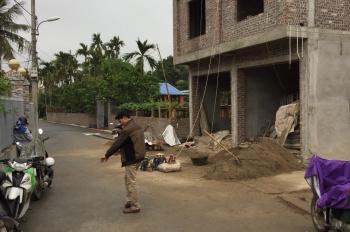 Bán 8 căn nhà xây kinh doanh tại ngõ 200 đường Cát Linh. Xây 3 tầng, 120m2, 850 triệu - 1,1 tỷ