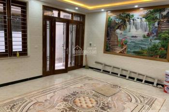 Cần bán nhà 52m2 phố Cự Lộc mặt tiền rộng 6m, ngõ thoáng 4.4 tỷ, LH 0986.1122.80