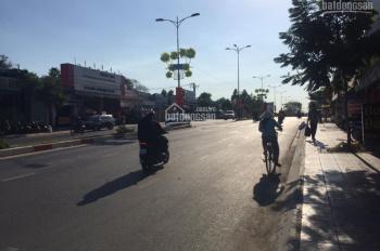 Bán nhà mặt tiền Lê Văn Việt, DT 140m2 đất thổ cư, giá 135tr/m2