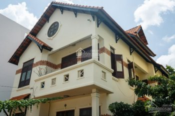 Chính chủ bán biệt thự sân vườn, không gian sống đẳng cấp trung tâm Q7 cạnh PMH, giá rẻ hơn khu vực