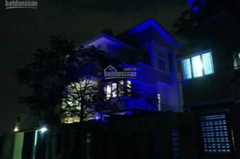 Bán biệt thự đường Lê Thị Riêng, Phường Thới An, quận 12, DT 10x18m, đúc một trệt, hai lầu
