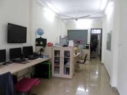 Chính chủ cho thuê văn phòng 93A phố Đội Cấn 30m2, giá 5 tr/th rèm VP, điều hòa view. LH 0903215466