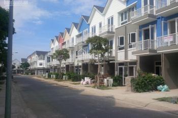 Cần bán gấp nhà phố Park Riverside 2, Q9, DT: 75m2 và 100m2, dãy nhà mặt sông - LH: 0902786079