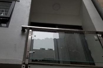 Chính chủ cần tiền bán gấp nhà mới xây tại ngõ 12 Đào Tấn, quận Ba Đình. LH: 0983158828
