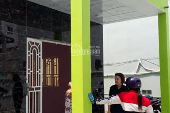 Bán nhà mới xây giá rẻ ở ngay hẻm Tân Liêm, KDC Phong Phú 4, gần chợ Phú Lạc LH 0908 261 858