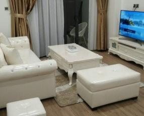 Cho thuê gấp căn hộ 349 Vũ Tông Phan, 3PN, tầng 19, 120m2, giá thuê 11 tr/tháng. LH: 094 1962 097