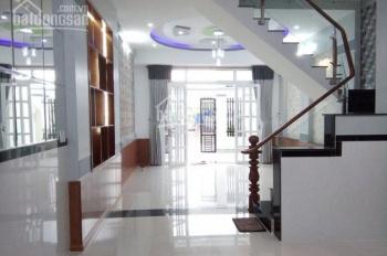Cần tiền bán gấp nhà nằm mặt Phan Văn Hớn, quận 12, DT 16x33m, xây 1 trệt 1 lầu, sổ hồng riênG