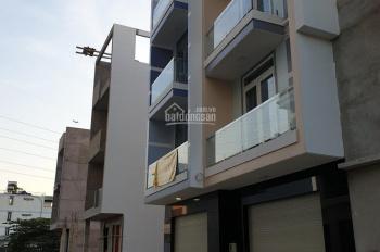 Bán nhà nằm trong khuôn viên khu Villa biệt lập (khu vực an ninh ô tô đỗ trước cửa)
